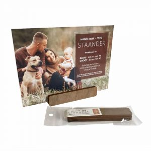 Magnetic wood standing picture frame