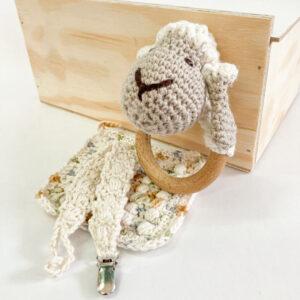 Good Golly Kikker & Kie Baby Keepsake Gift Box With Rattle Dummy Clip and baby Washcloth Sheep Theme